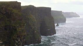 Penhascos de Moher em Ireland video estoque