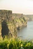 Penhascos de Moher no condado Clare, Ireland Fotografia de Stock Royalty Free