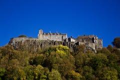 Penhascos de Stirling Castle From Field Below fotos de stock royalty free
