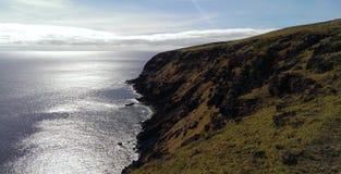 Penhascos do mar na Ilha de Páscoa Foto de Stock