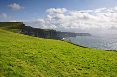 Penhascos do moher no condado clare, ireland Foto de Stock Royalty Free