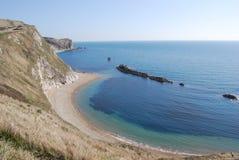 Penhascos e mar azul foto de stock