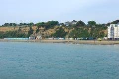 Penhascos e praia em Sandown imagem de stock