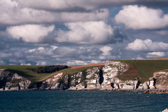 Penhascos em Bigbury, Devon, Reino Unido Imagem de Stock Royalty Free