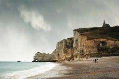 Penhascos em Etretat, Normandie, France. Fotografia de Stock Royalty Free