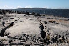 Penhascos em Inisheer, ilhas de Aran Fotos de Stock
