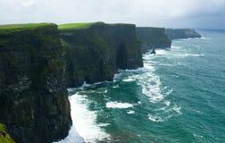 Penhascos irlandeses de Moher Imagem de Stock Royalty Free