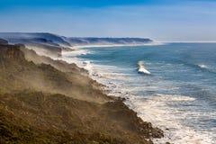 Penhascos na costa atlântica, Marrocos fotos de stock