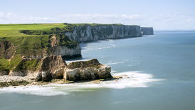 Penhascos na costa de Mar do Norte. Fotos de Stock Royalty Free