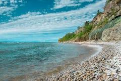 Penhascos na costa em Paldiski, Estônia fotos de stock