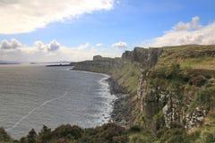 Penhascos na ilha de Skye fotografia de stock
