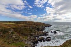 Penhascos perto de Portpatrick, Escócia, Kindom unido fotos de stock royalty free