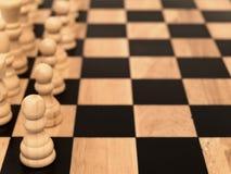 Penhores no tabuleiro de xadrez Foto de Stock Royalty Free