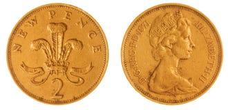 2 peniques 1971 acuñan aislado en el fondo blanco, Gran Bretaña Fotos de archivo libres de regalías