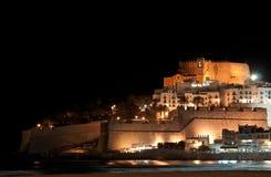 Peniscola城堡在晚上 免版税库存照片