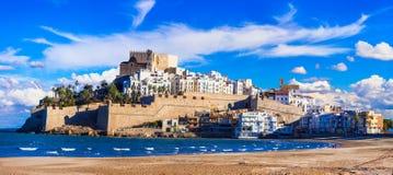 Peniscola, ilha com castelo e praia em Castellon, Espanha foto de stock