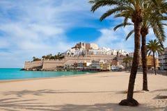 Peniscola slott och strand i Castellon Spanien Royaltyfri Fotografi
