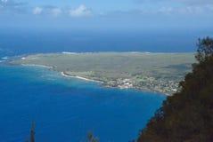 Penisola e villaggio di Kalauapapa su Molocai fotografie stock libere da diritti