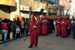 Penitent odzieży czerwieni kapiszony dla tradycyjnego Fotografia Stock
