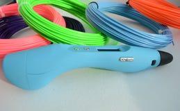 penna 3d och kulör plast- Royaltyfri Fotografi