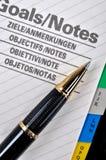 Penna di sfera e pagina di obiettivi Immagini Stock Libere da Diritti