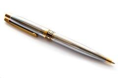 Penna dorata esecutiva su bianco Immagini Stock Libere da Diritti