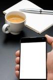 Penna e caffè del blocco note di Smartphone Immagini Stock Libere da Diritti