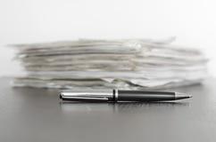 Penna e contratti Immagine Stock Libera da Diritti