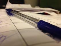 Penna e documento Immagini Stock