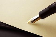 Penna e documento di fontana Fotografie Stock