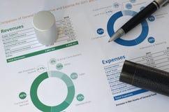 Penna e grafico Fotografia Stock