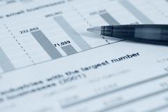 Penna e grafico Immagine Stock