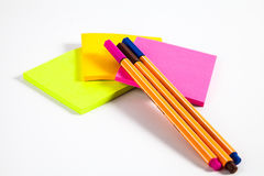 Penna e Post-it Immagini Stock