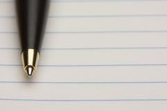 Penna e rilievo di documento Immagini Stock Libere da Diritti
