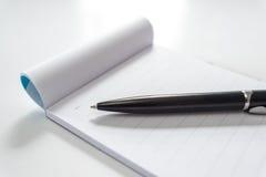 Penna e taccuino Fotografia Stock Libera da Diritti