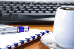 Penna e tastiera Fotografia Stock Libera da Diritti