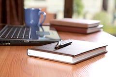 penna för skrivbordbärbar datororganisatörer Arkivfoto