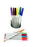 Penna magica variopinta su fondo bianco Immagini Stock Libere da Diritti