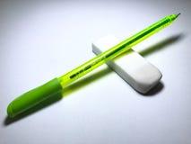 Penna och radergummi Arkivfoto