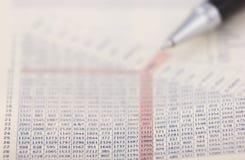 Penna su un diagramma Fotografia Stock Libera da Diritti