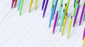Pennarelli meccanici brillantemente colorati di Finepoint che fanno i segni perfetti su una superficie senza cuciture di bianco Immagini Stock Libere da Diritti
