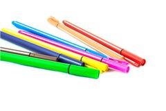 Penne colorate isolate su fondo bianco Fotografie Stock Libere da Diritti