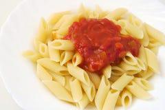 Penne com molho de tomate Fotos de Stock Royalty Free