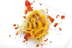 Penne italiano della pasta con bacon sopra Fotografia Stock