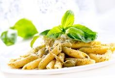 Penne pasta med Pesto sås Royaltyfri Foto