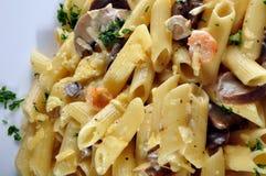 Penne Pasta mit Garnele Stockfotos