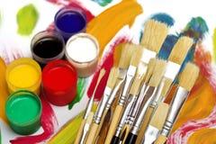 Pennelli e colori Fotografie Stock Libere da Diritti
