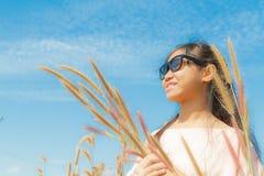 Pennisetum κοριτσιών και φτερών Στοκ εικόνες με δικαίωμα ελεύθερης χρήσης