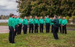 Pennsauken,新泽西- 2017年11月5日:杉木男爵Chorus执行了在这几年退伍军人日仪式在木桶匠河 库存照片