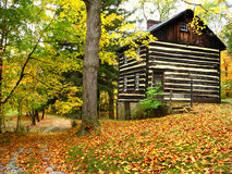 Pennsylvania log house. Located in western wilderness.Autumn Royalty Free Stock Photos
